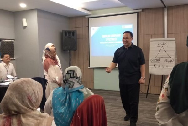 training complaint handling, training effective communication, yusran effendy, rendy yusran, esq school of communication, act consulting, ary ginanjar agustian,