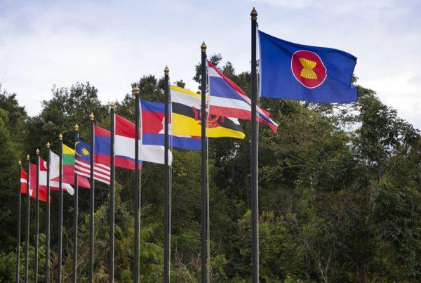Bagaimana Pendapat Para CEO ASEAN Tentang Pengaruh Krisis Amerika dan China
